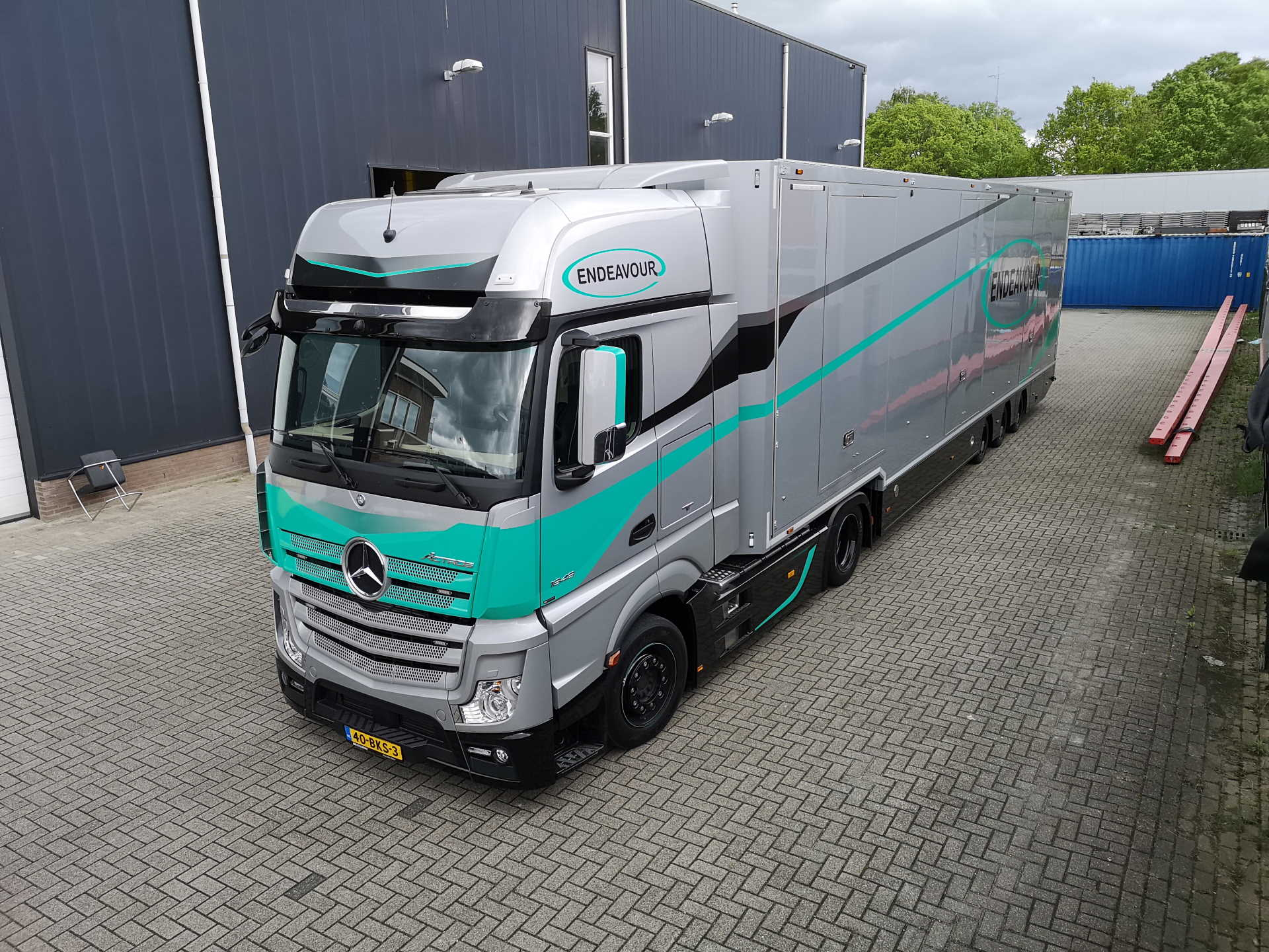 Special Full Options Exclusive Car Transporter